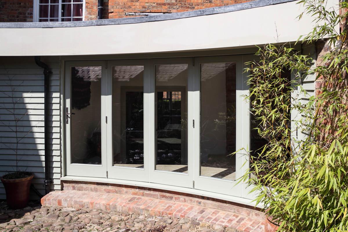 Burton Overy - Curved Folding Sliding Doors